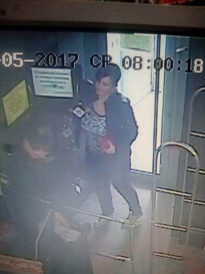 Из камер хранения в запорожских магазинах пропадают вещи (ФОТО)