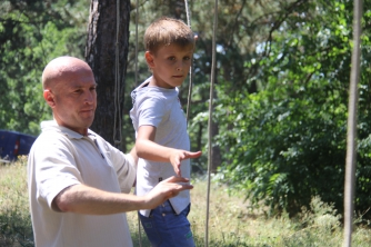 Мелитопольские школьники проходят полосу препятствий