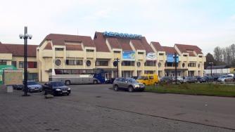Неисправное шасси и датчики: самолет совершил экстренную посадку в украинском аэропорту