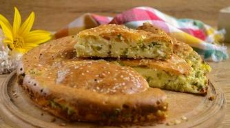 Рецепт дня: заливной пирог с картофелем и луком