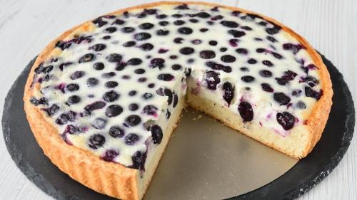 Рецепт дня: пирог с черной смородиной фото