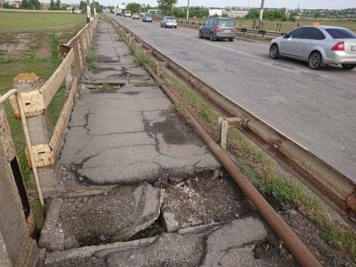 Больше полугода объездными путями: сколько продлится ремонт моста между Константиновкой и Мелитополем  фото