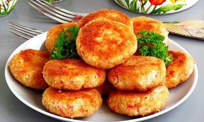 Рецепт дня: котлеты из картофеля и крабовых палочек фото