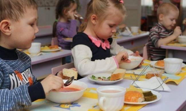 Дети в Бердянске могут не увидеть мяса фото