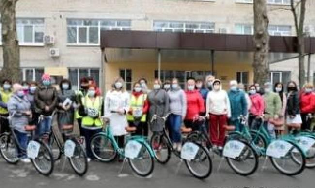 Мелитопольские медики будут ездить на работу на велосипедах фото