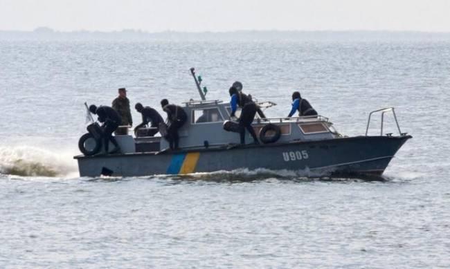 Бердянская военно-морская база получила разъездной катер фото