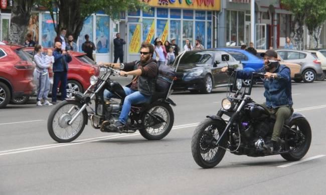 Под рев моторов: байкеры открыли мотосезон  фото