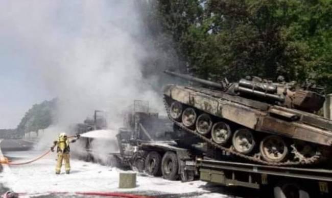 В Польше в ДТП сгорели танки (фото, видео) фото