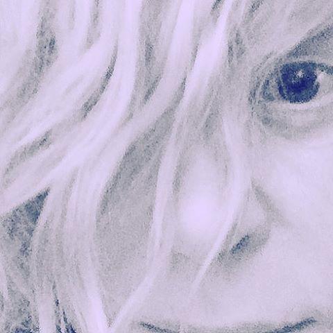Эстрадная певица Алла Пугачева поразила снимком без макияжа