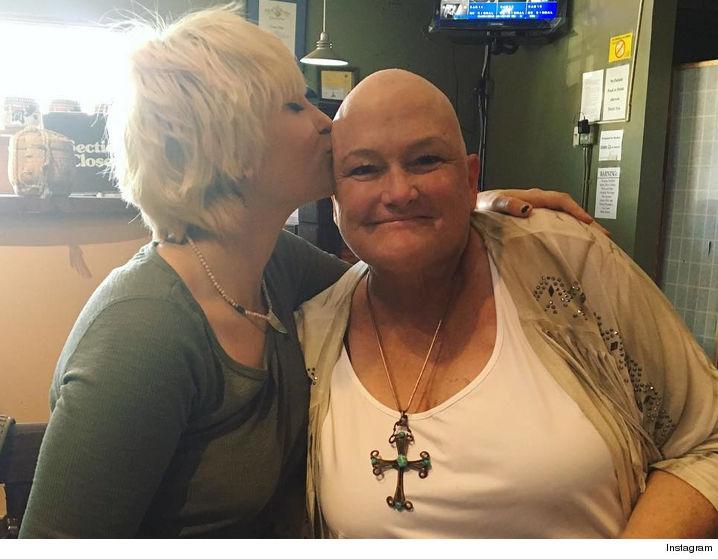 Дочь Джексона поддержала больную раком мать