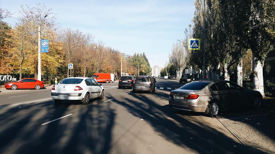 Распиаренных пластиковых «пугал» в центре Мелитополя водителям не видно