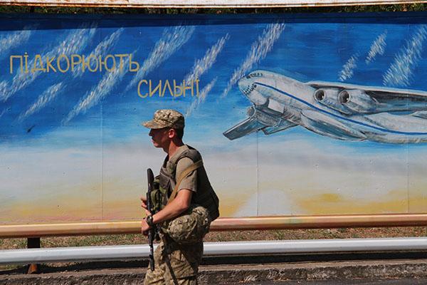 ВГенштабе поведали обучениях ВСУ— Пробка из-за истребителей