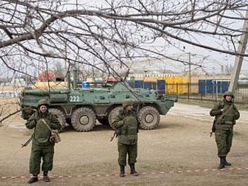 Ультиматумы и захваты украинских воинских частей в Крыму россиянами продолжаются