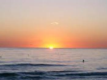 В сети появилось видео восхода солнца на курорте Кирилловки (видео)