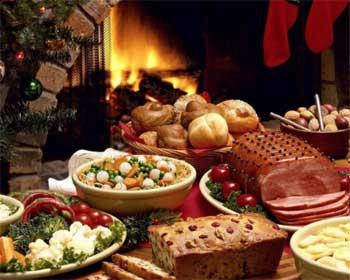Главное правило Святвечера - ужин в кругу семьи, состоящий из 12 постных блюд