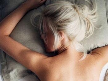 Спать на животе нельзя, причем категорически! Вот почему