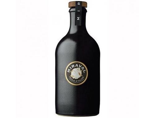 Брэд Питт иАнджелина Джоли приняли решение заняться реализацией оливкового масла